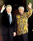 Nelson Mandela with Bill Clinton